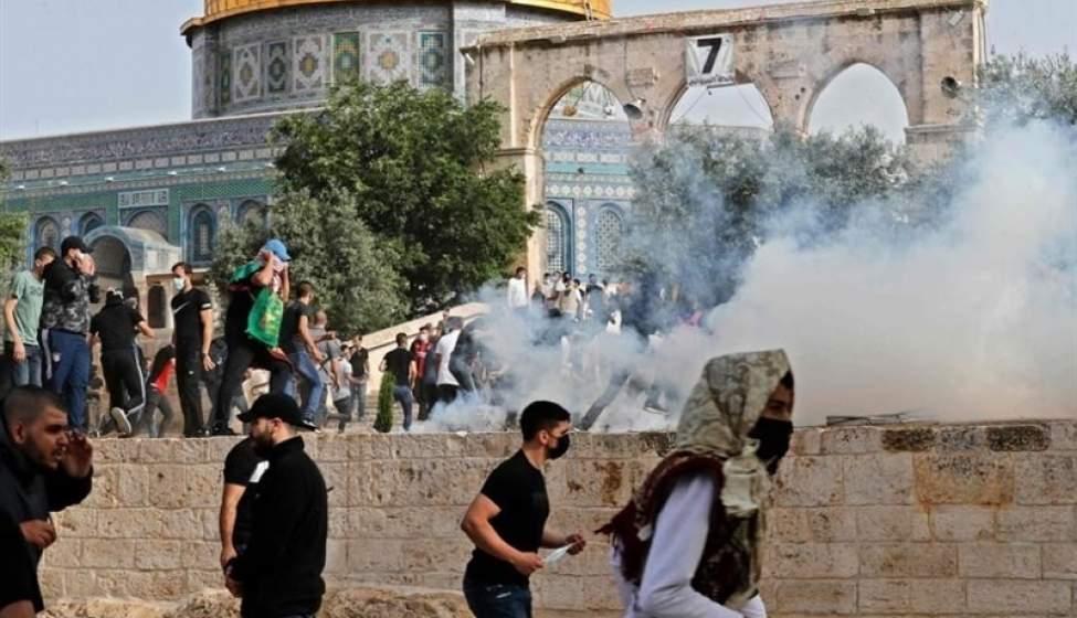 حمله نظامیان صهیونیست به نمازگزاران فلسطینی در مسجد الاقصی